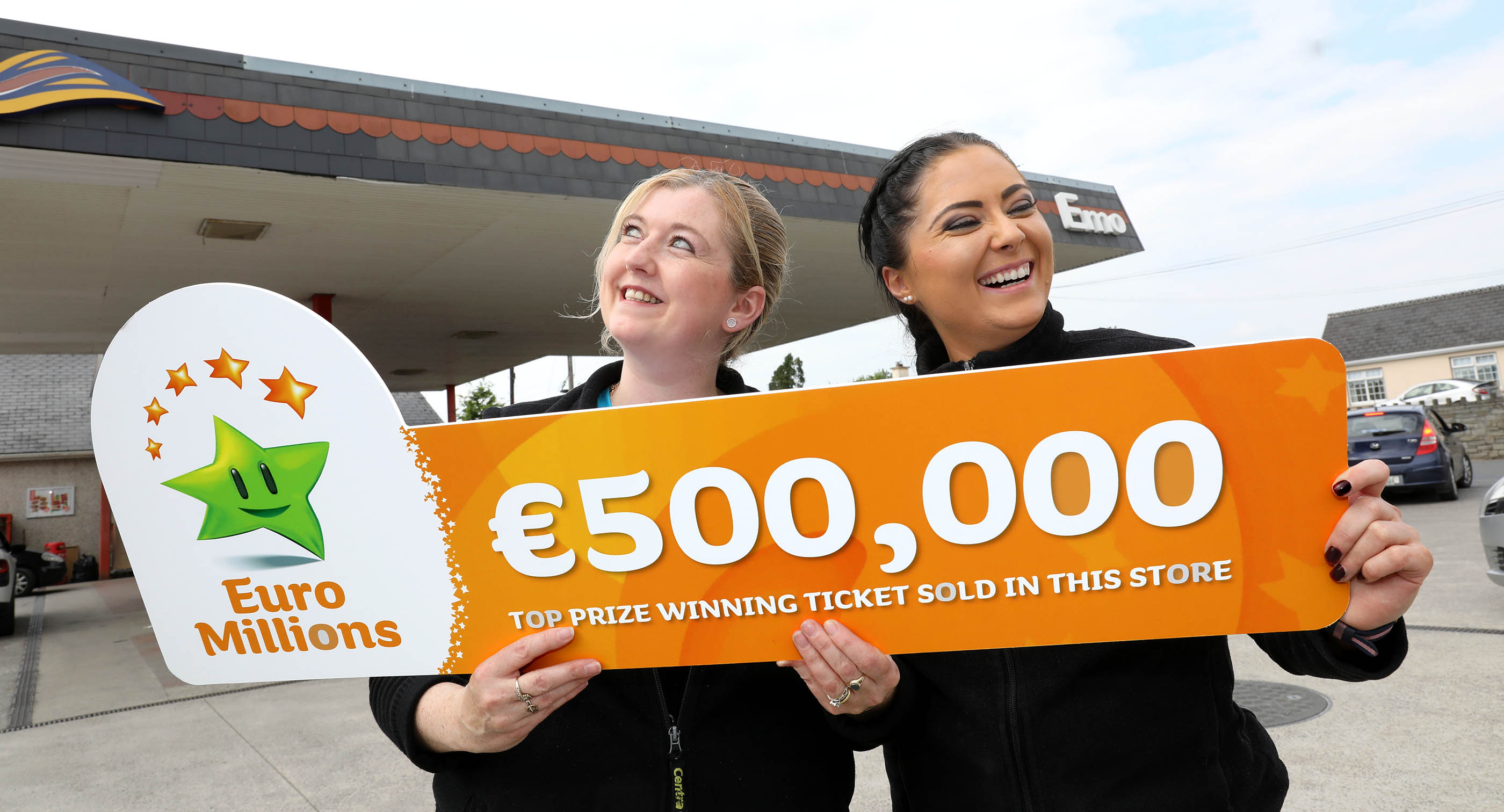 Lotto Euromillions Winners Of 500 0000 Lotto Ticket Sold In Knocktopher Claim Their
