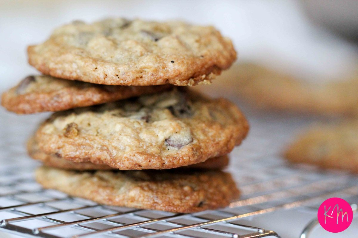 Chocolate Chip Oatmeal Cookies ::: Cure for a rainy day