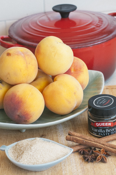 spiced poached peaches ingredients
