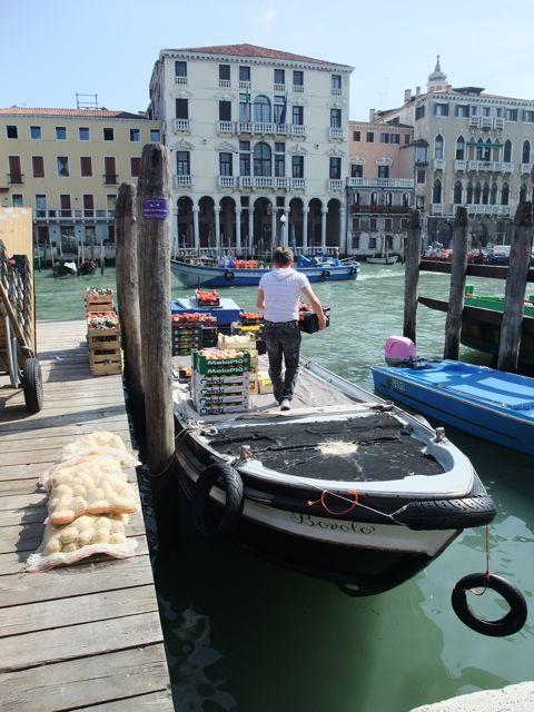 DSCF6669boat.jpg