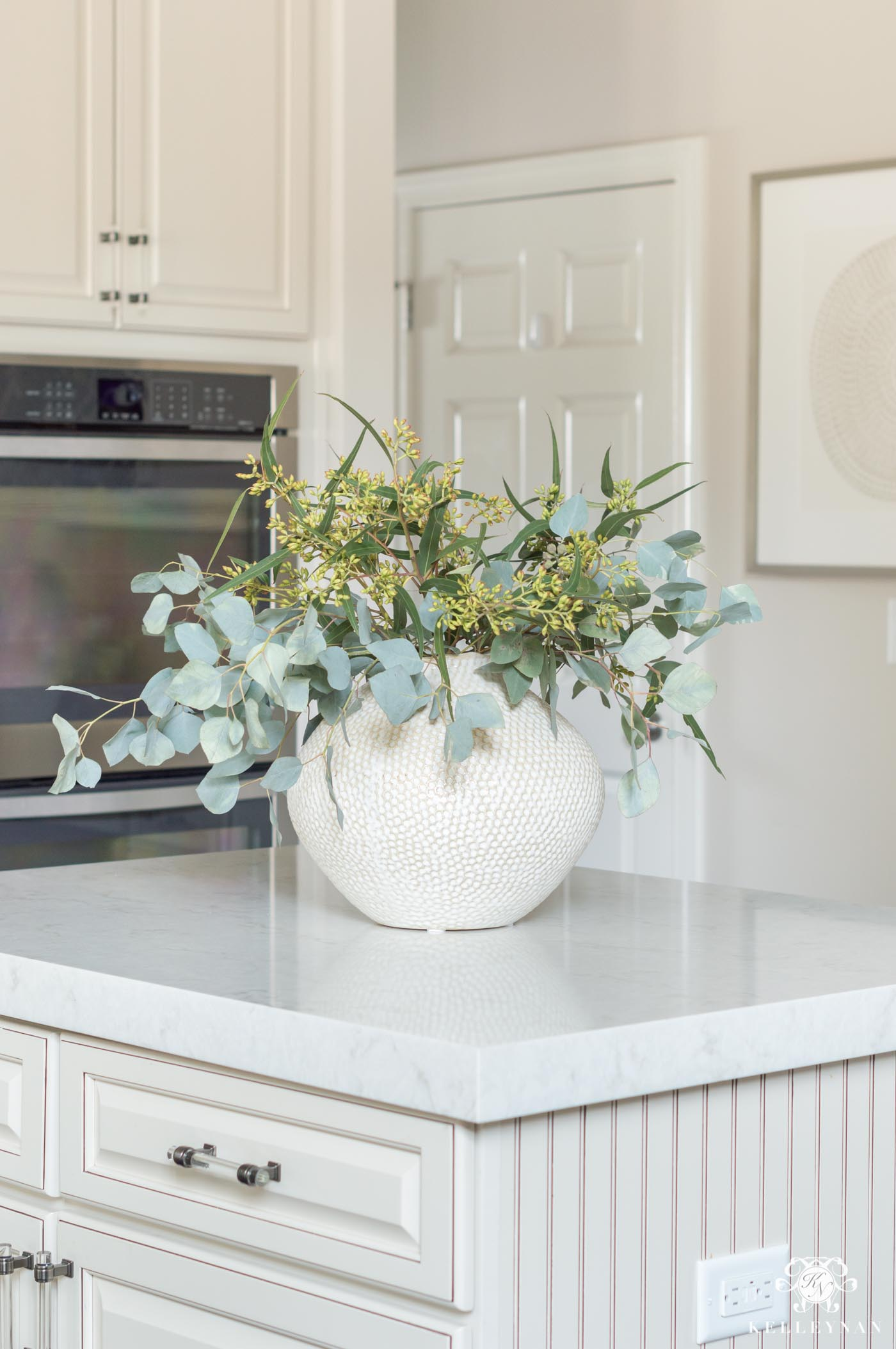 Kitchen Island Decor 6 Easy Styling Tips Kelley Nan