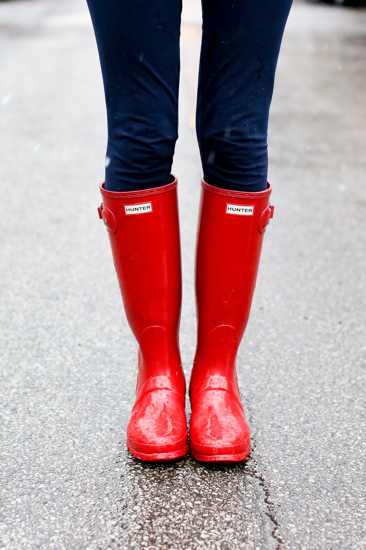 Bathroom scales boots - Download Red Glossy Hunter Boots Chicago Blogger 31 Bathroom Scales