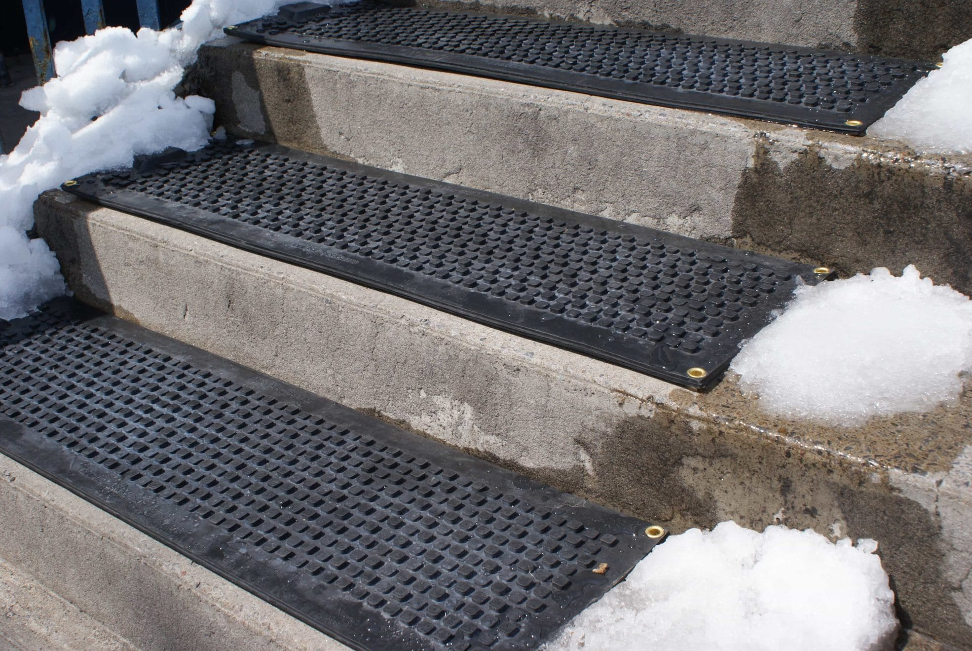 Couvre Marche Hotflake Snow Melting Heated Stair Mats Snow Melting Mats