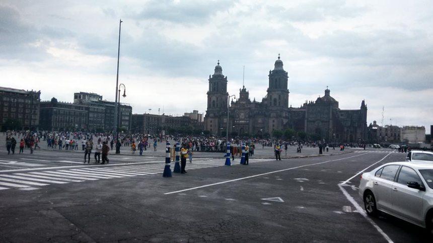Zócalo de la Ciudad de México y al fondo, Catedral