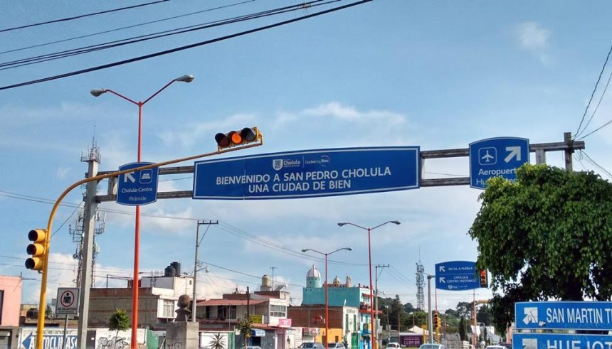 Letrero al entrar a San Pedro Cholula, Puebla
