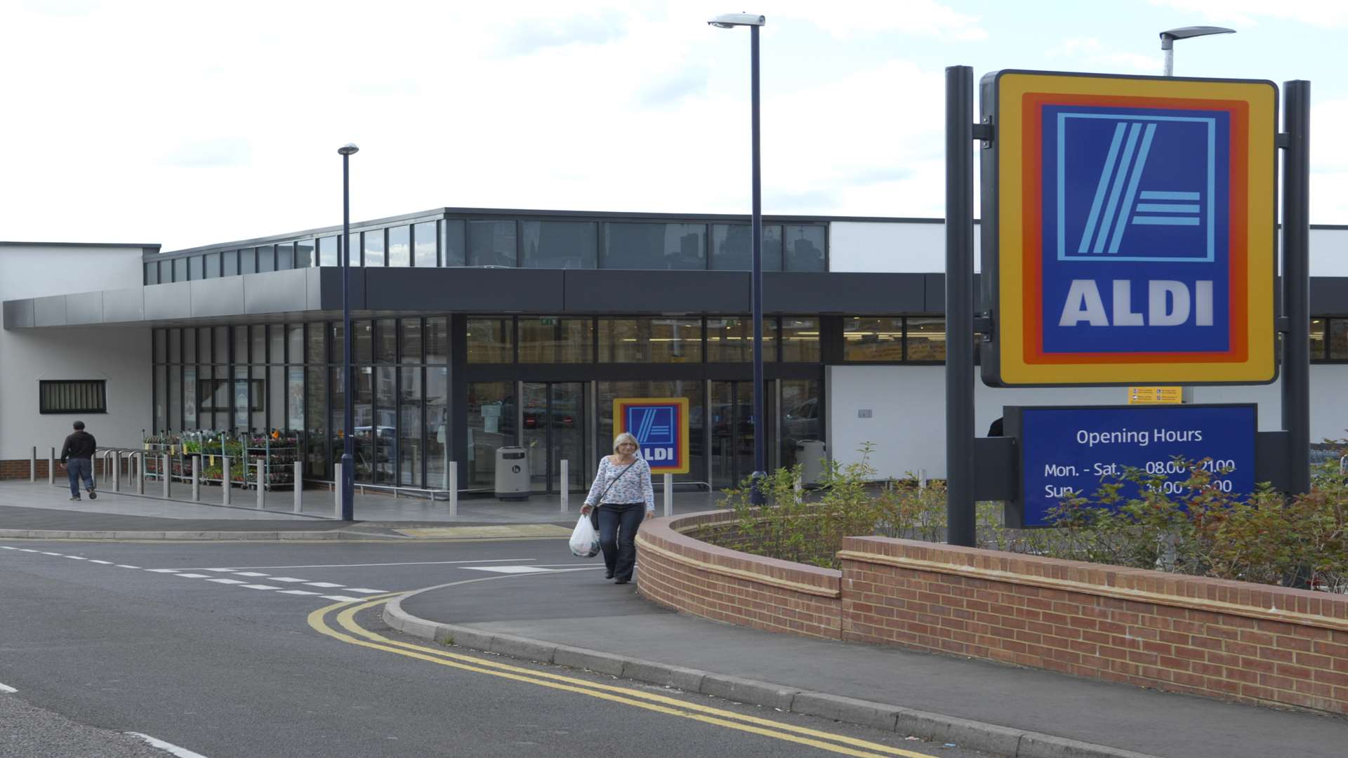 Aldi Herne Sevenoaks Waitrose Objects To New Aldi
