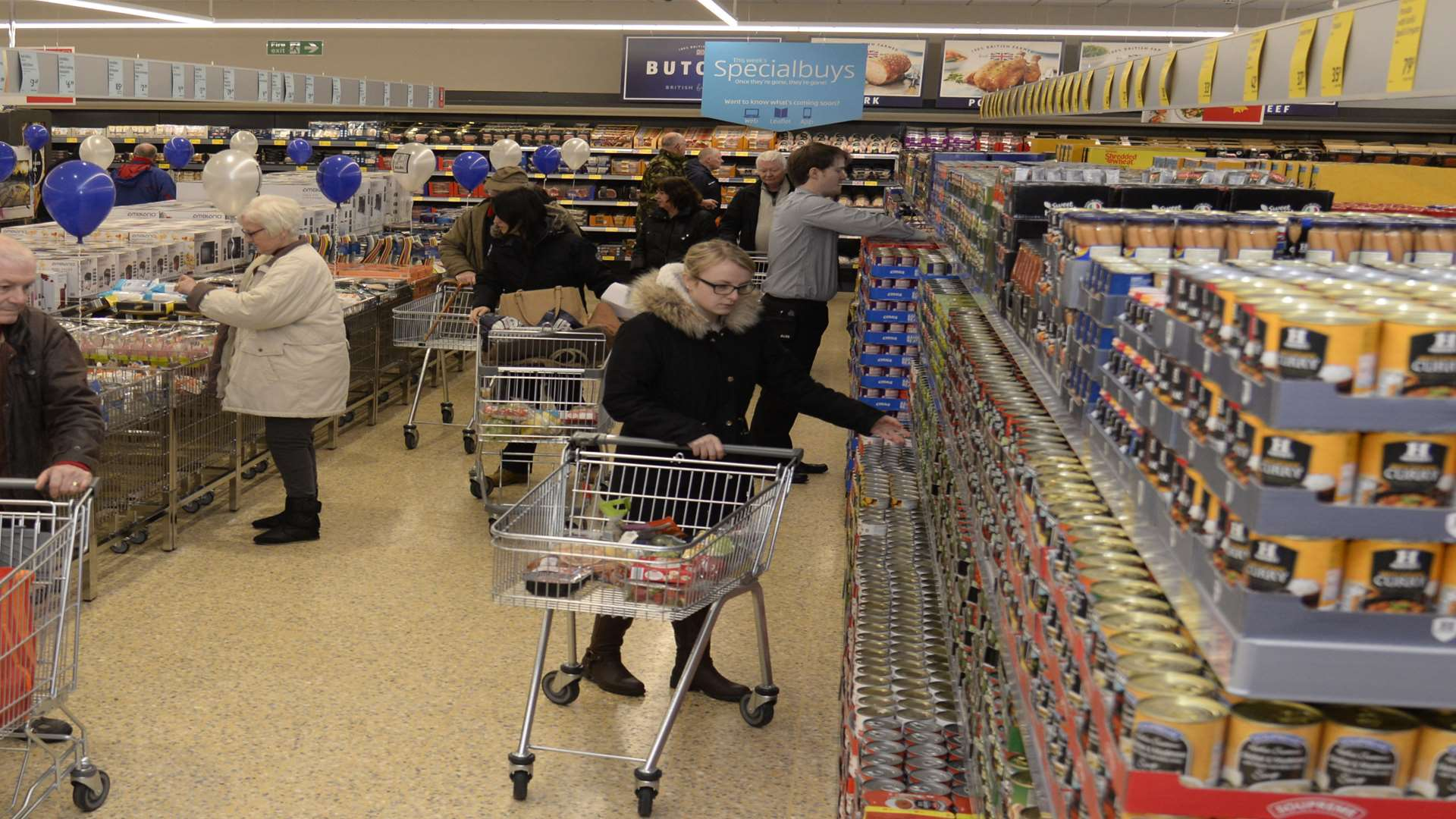 Aldi Herne Whitstable Aldi Supermarket Opens Day After M Ands Foodhall