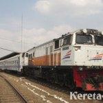 Mesin Lokomotif Terbakar, Penumpang KA Jayabaya Terlantar di Brebes