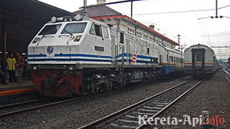 kereta-api-bisnis-singosari