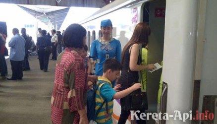 PT KAI Buka Lowongan Kerja untuk Proyek LRT Jabodebek