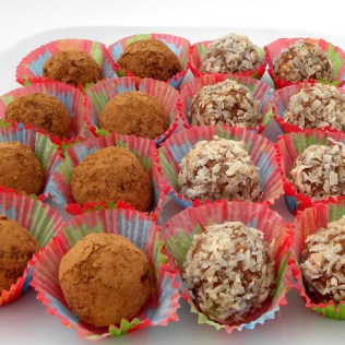 no bake cookies, no bake holiday cookie recipes, old fashioned rum ball recipe