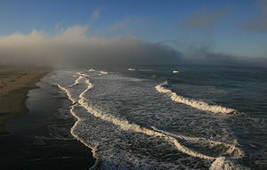 300px-Fog_ot_Ocean_Beach_in_San_Francisco_is_clearing_up