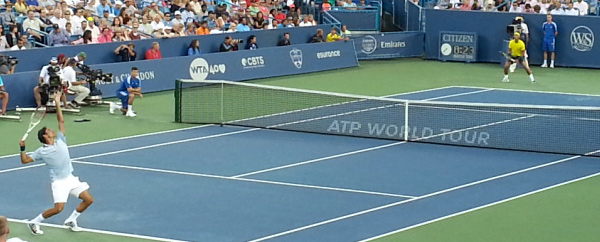 Roger Federer serving to Rafa Nadal at the Western & Southern Open (Kevin Ware)