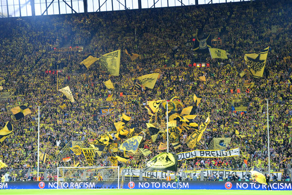 Arsenal Live Wallpaper Hd Borussia Dortmund Players Unhappy With Fans Moaning