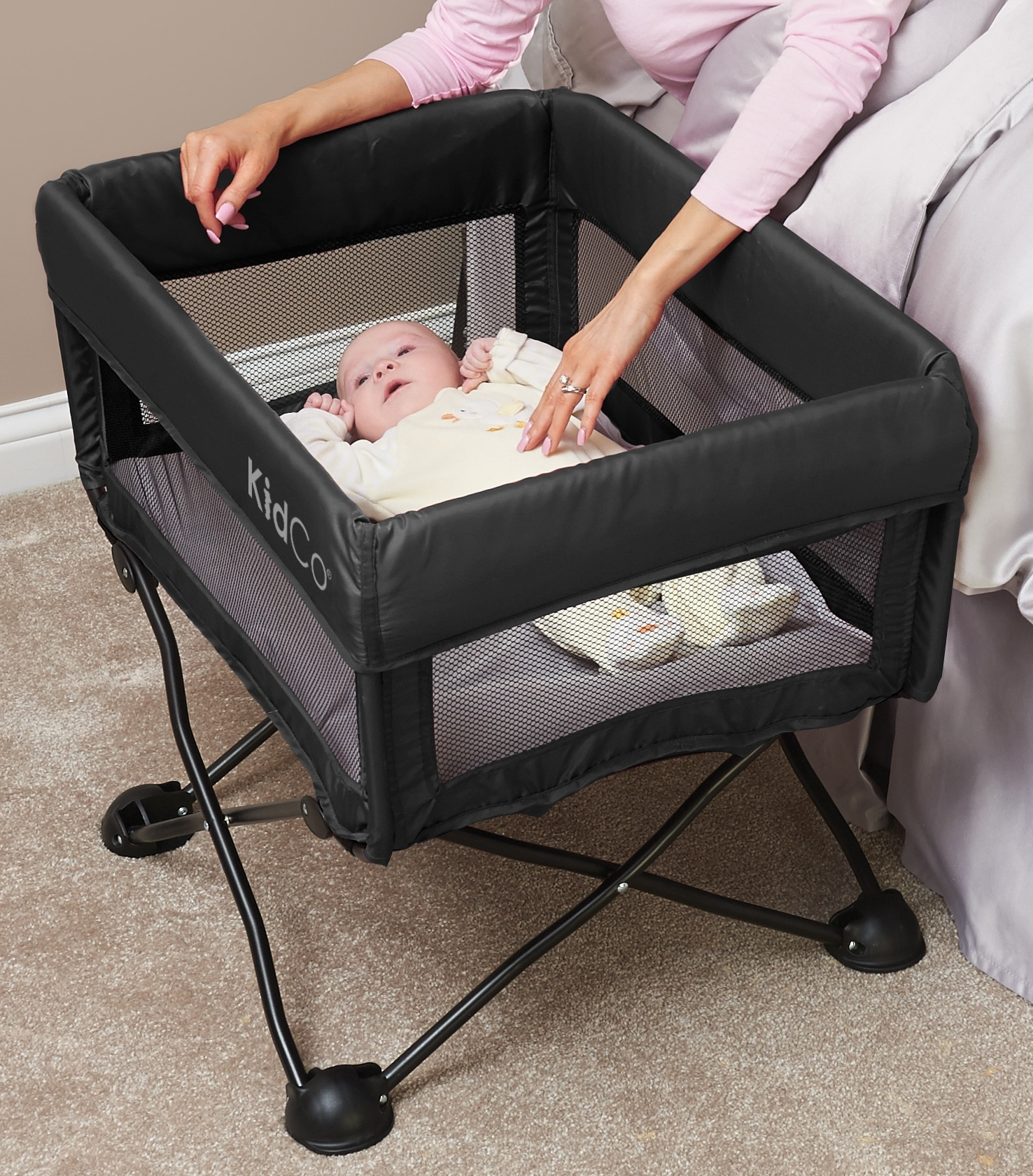 Baby Bassinet For Bed Dreampod Travel Bassinet