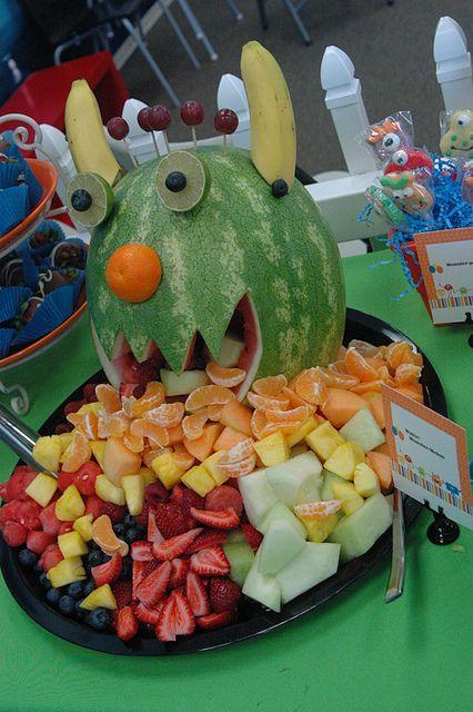 Healthy fall and halloween fruit party treats kid for Easy kid friendly halloween treats