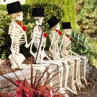 Over 19 Hilarious Skeleton Decorations For Your Yard on ...
