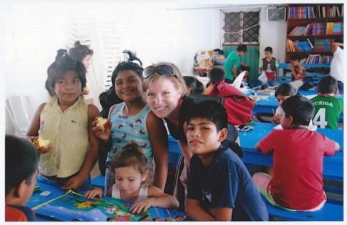 Acapulco Hogar- Kid World Citizen