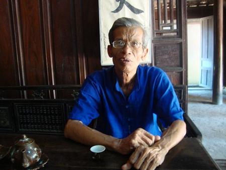 Ông Võ Đại Hàm, người hơn 30 năm qua trực tiếp trông coi, gìn giữ và đón tiếp những đoàn khách trong nước, quốc tế đến thăm ngôi nhà của Đại tướng.