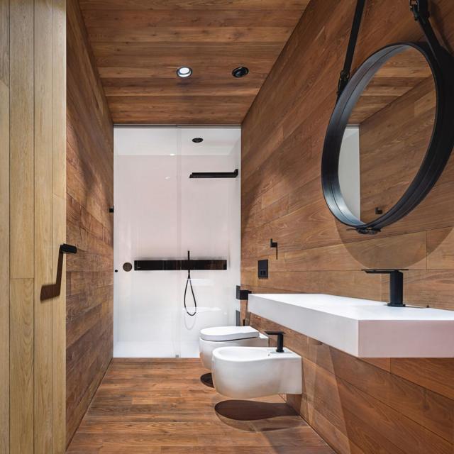 Nhà vệ sinh được thiết kế hiện đại.