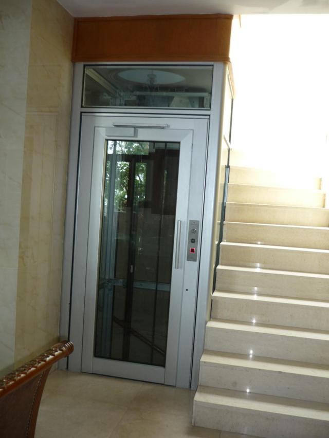 Thang máy gia đình nhập khẩu Italy có thể đáp ứng nhu cầu lắp đặt ở cả những không gian kiến trúc hẹp