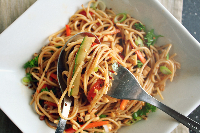 Sesame Ginger Soba Noodle Salad - Killing Thyme
