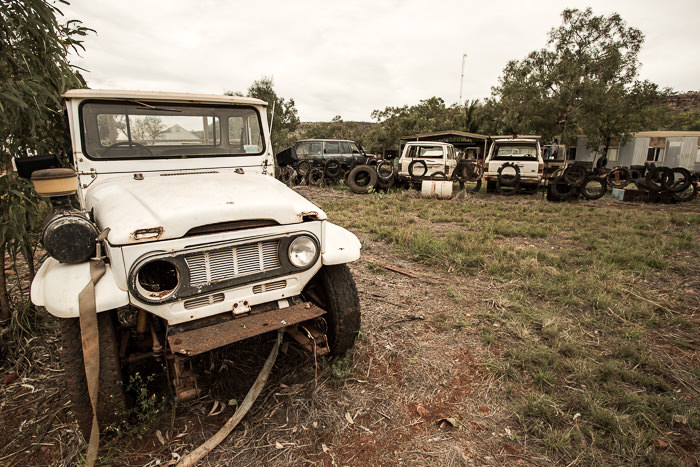Old Landcruiser at Imintji Roadhouse