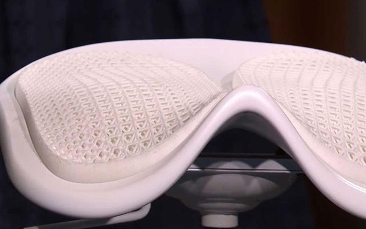 Chaise Polycarbonate Ikea Ikea Creates Bespoke Chairs Using 3d Technology Kimya