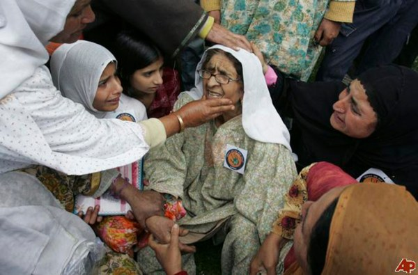 india-kashmir-mothers-day-2009-5-10-6-20-5311