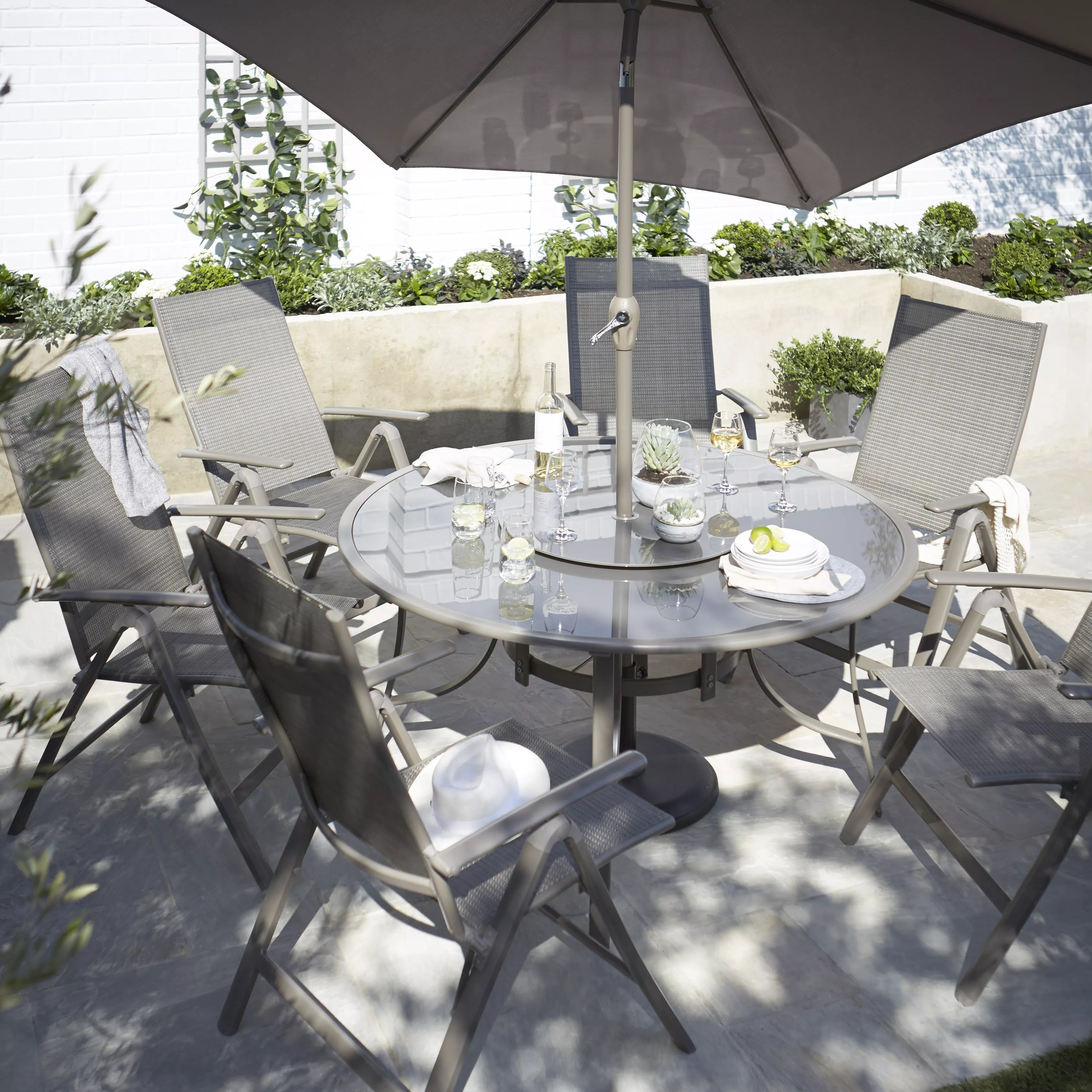 Buyer S Guide To Garden Furniture Help Ideas Diy At B Q - B And Q Garden Furniture Clearance Sale