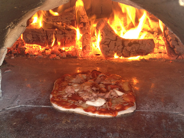 Best Pizza Ovens Best Wood Fired Ovens King Of The Coals