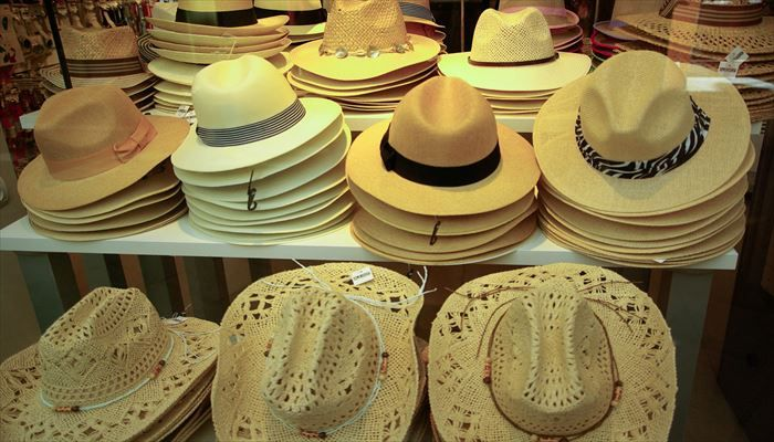 海外出張 持ち物 帽子
