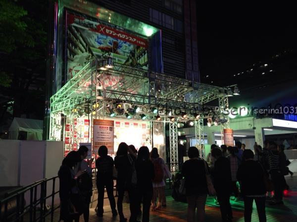 新宿駅前進撃の巨人イベント