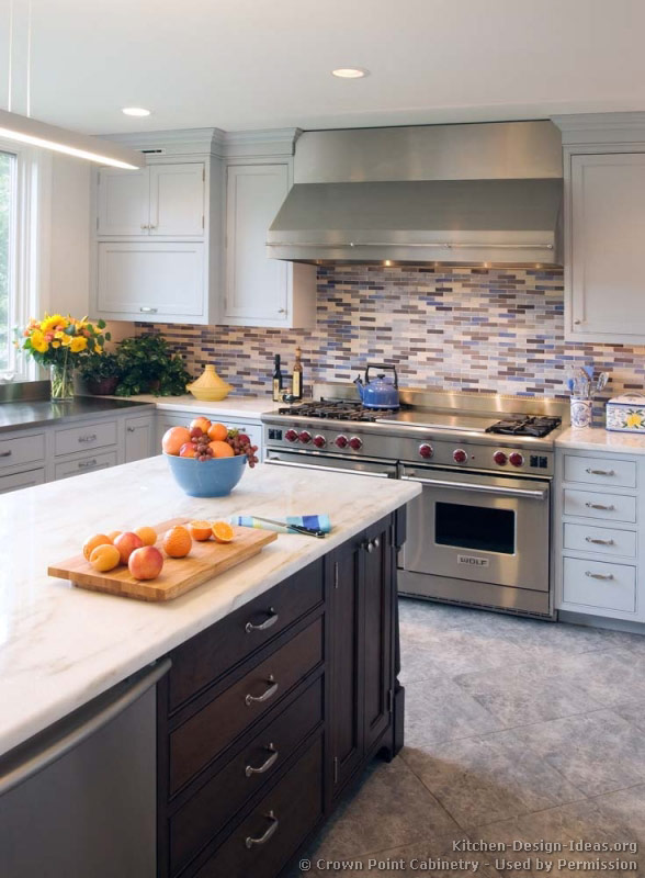 Shaker Cabinet Crown Molding Transitional Kitchen Design - Cabinets, Photos, & Style Ideas