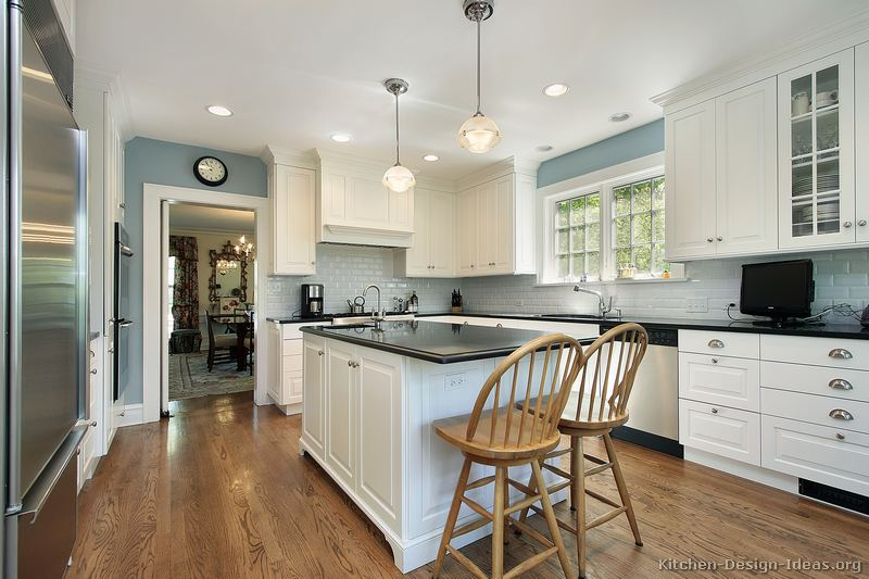 Gray Shaker Cabinet Kitchen Early American Kitchens - Pictures And Design Themes