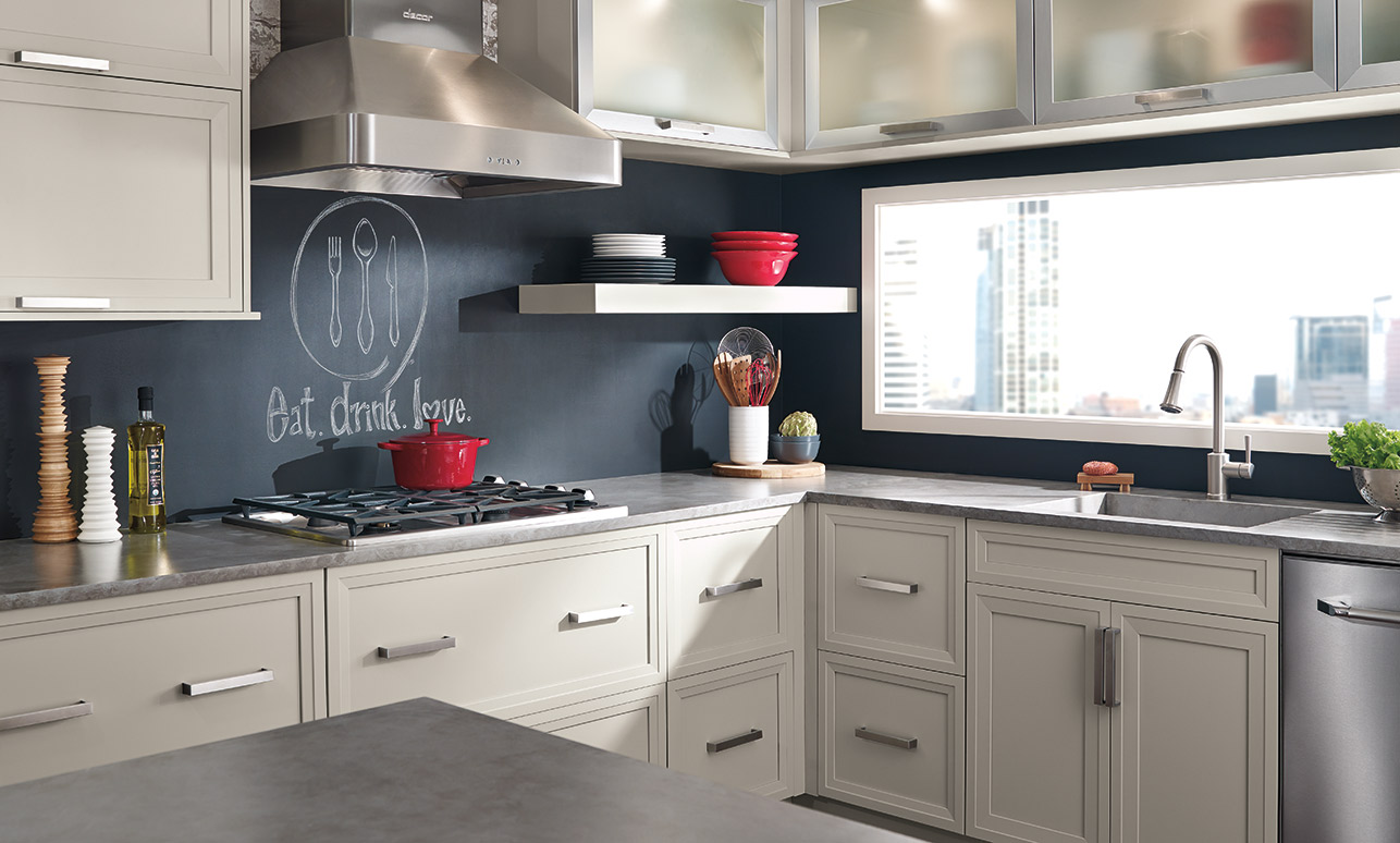 Maple Melamine Kitchen Cabinets Vs Wood Cozy Maple Vs Oak Cabinets For Kitchen Light Wood Stained