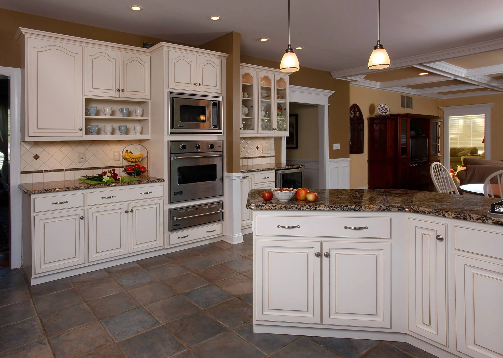 Kitchen Pics With White Cabinets Why Winter White Cabinets Are So Popular
