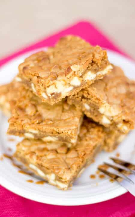 Biscoff White Choc Chip Blondies - KitchenMason - Easy Step by Step ...