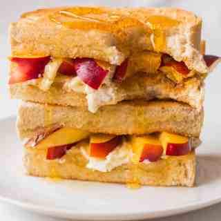 5 Days of Sweet Toasties – Day 1: Cream Cheese, Nectarine and Honey Toastie