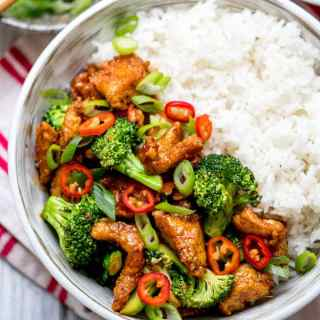 Crispy Chilli Chicken with Brocolli