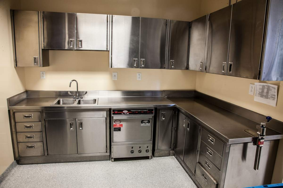 How to Personalize Stainless Steel Countertops for