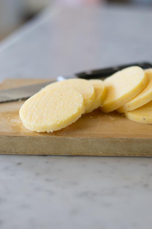 cut polenta rounds
