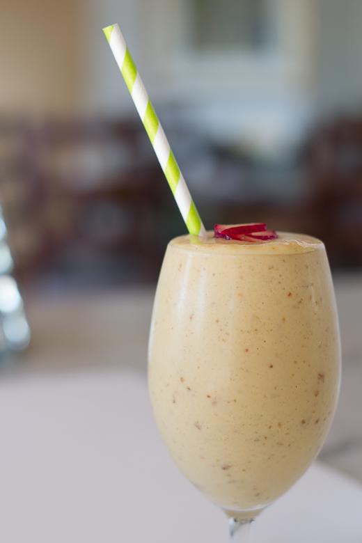 lucuma mango smoothie from blender