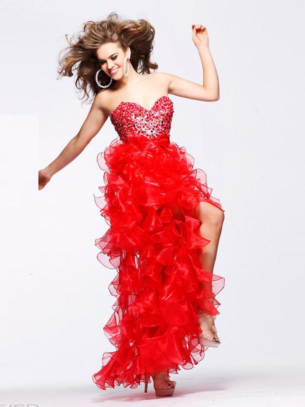 Идеи для платья на выпускной 2013 - Богатство оборок