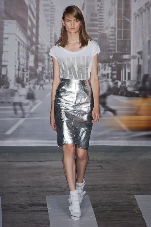 Юбка из серебряного металлика от DKNY