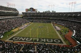 OAKLAND, CA - NOVEMBER 12:  McAfee Coliseum is shown during the Oakland Raiders game against the Denver Broncos at McAfee Coliseum on November 12, 2006 in Oakland, California. The Broncos defeated the Raiders 17-13. (Photo by Jed Jacobsohn/Getty Images)
