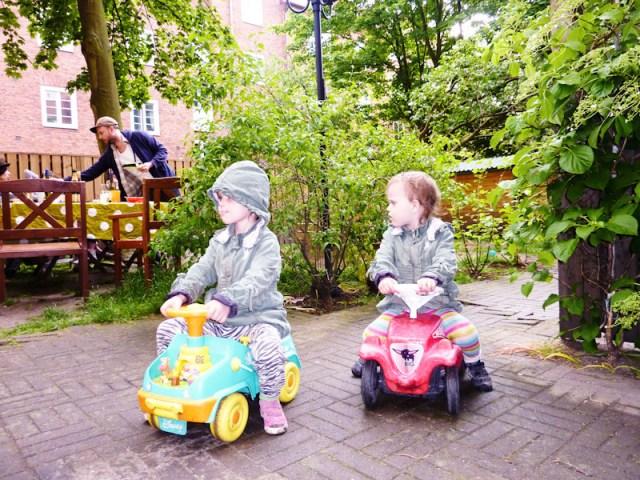 Korv, regn och trehjulingar