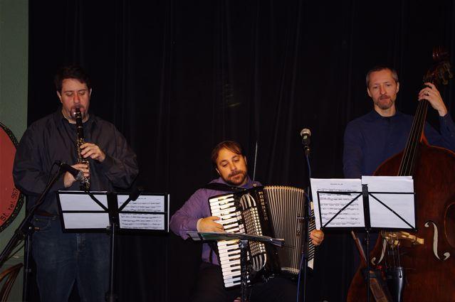 The Mike Anklewicz Klezmer Trio featuring Yoni Kaston