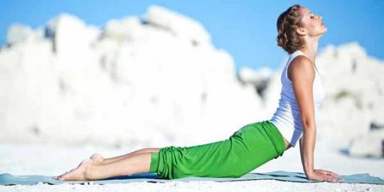 7 Pose yoga yang melangsingkan tubuh