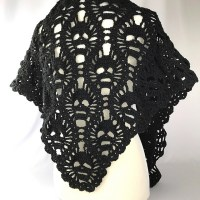 Crochet This Spine-Tingling Lost Souls Skull Shawl For ...